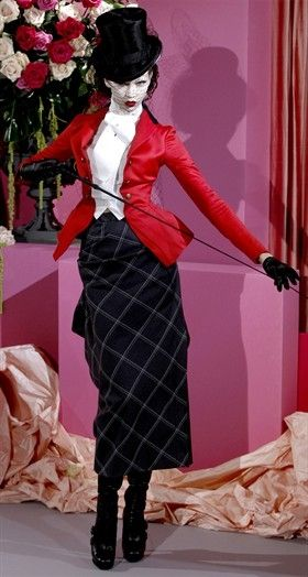 tailleur rosso con gonna lunga by dior 2010