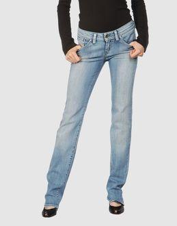 Pantaloni jeans da donna marca Diesel