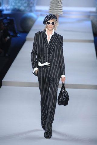 La donna Dior 2008 - Cerca Moda 4377bd4541b