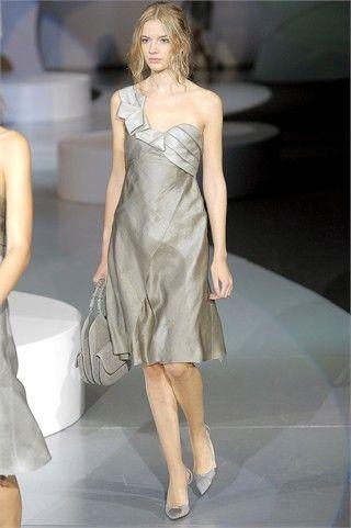 hot sale online 671d2 9c37b Giorgio Armani abito da donna PE 2009 - Cerca Moda